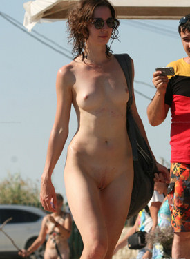 Nude beach candid chicks