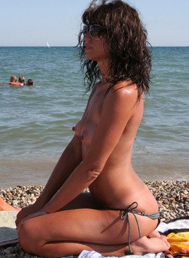 Candid crowd nude on the beach