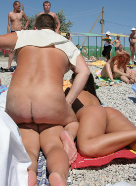 Candid girls fun at the nude beach