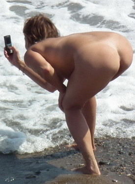 Hot nude beach candid girls
