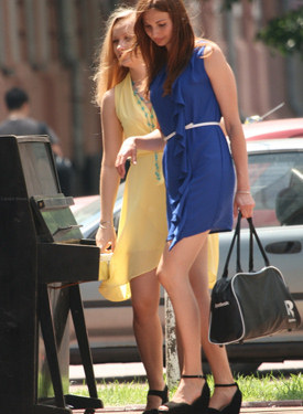 Exciting legs of the candid girls shot at the streets